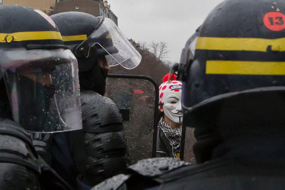 Анонимус и полицейские