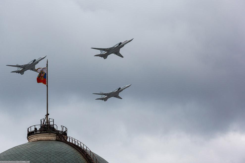 И со зловещем шелестом пронеслись Ту-22М3. Какая же красивая машина