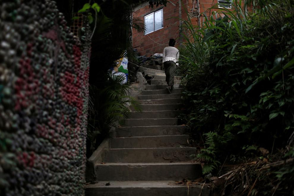 Путь в хостел Favelinha
