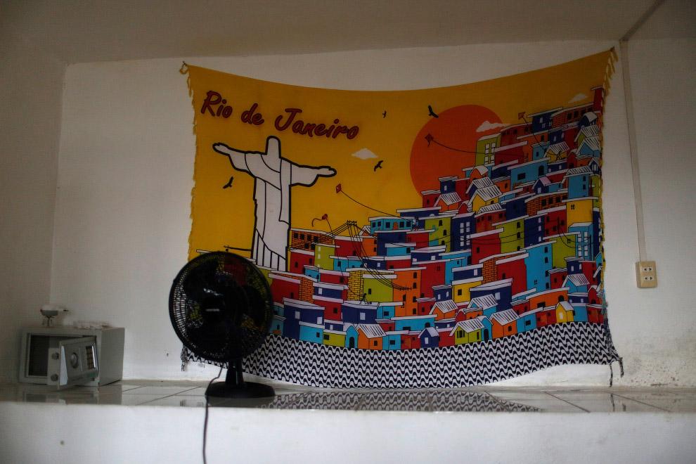 Декорации одного из номеров хостела Favelinha, Рио-де-Жанейро, Бразилия