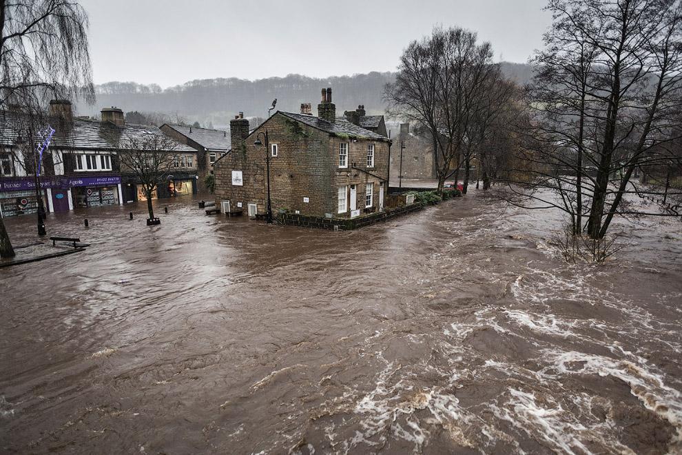 Наводнение в Западном Йоркшире, Великобритания