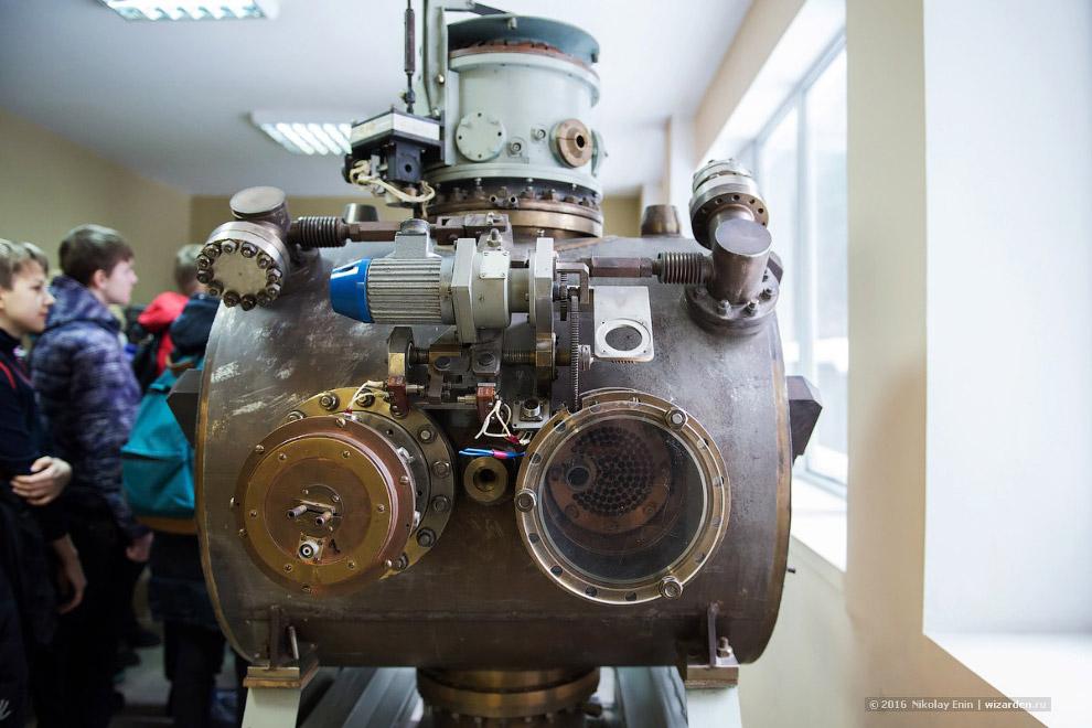 резонатор и поворотный магнит с ВЭПП-2М