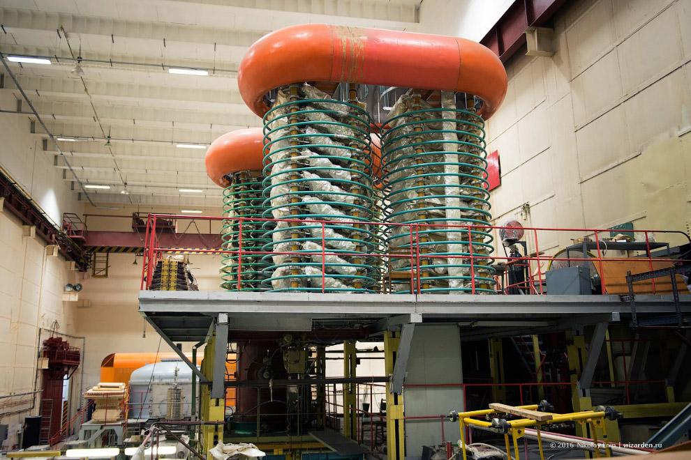 генератор электронного пучка У-2