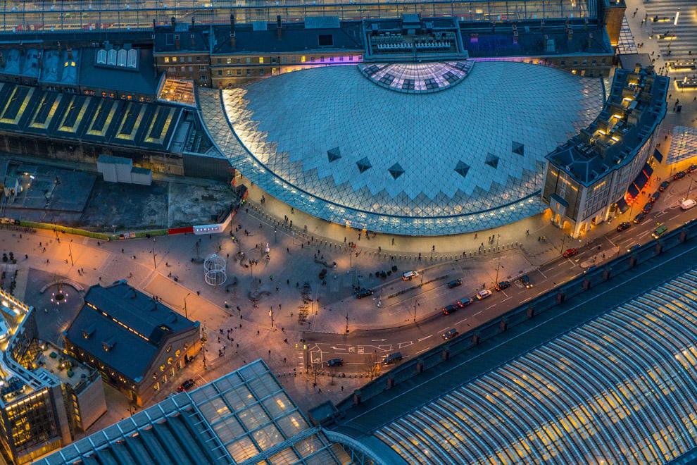 Железнодорожный вокзал Кингс-Кросс в северо-восточной части Лондона