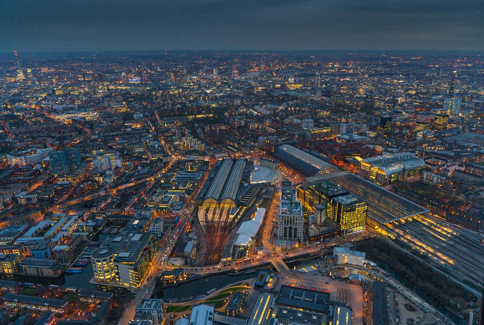 Железнодорожный вокзал Кингс-Кросс и вид на Лондон