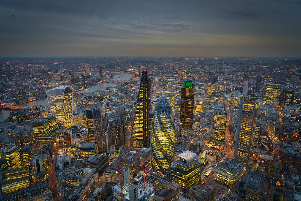 40-этажный небоскрёб Мэри-Экс в Лондоне, конструкция которого выполнена в виде сетчатой оболочки