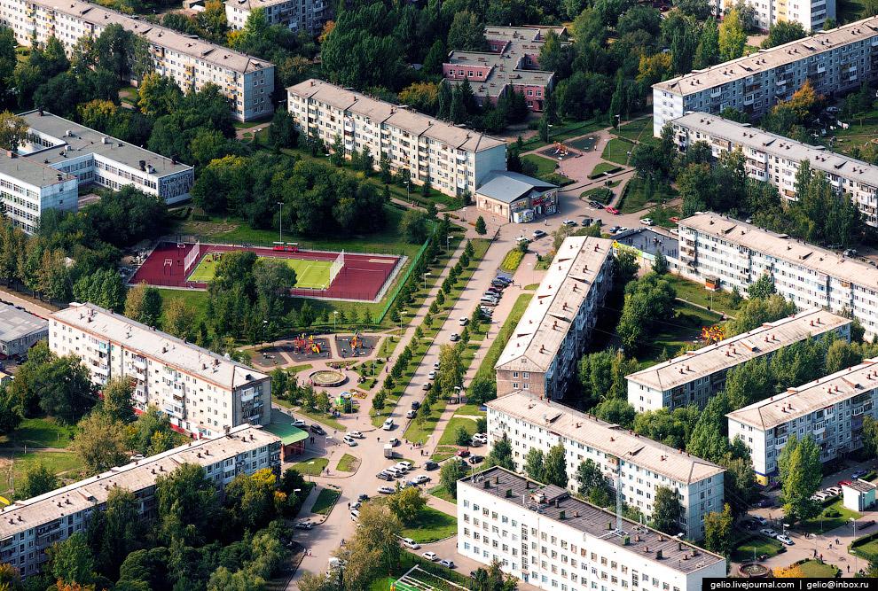 Пешеходная зона на ул. Путилова.