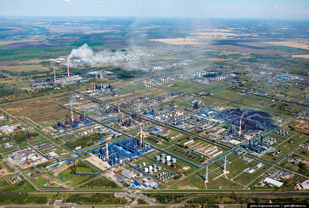 Омский нефтеперерабатывающий завод (НПЗ)