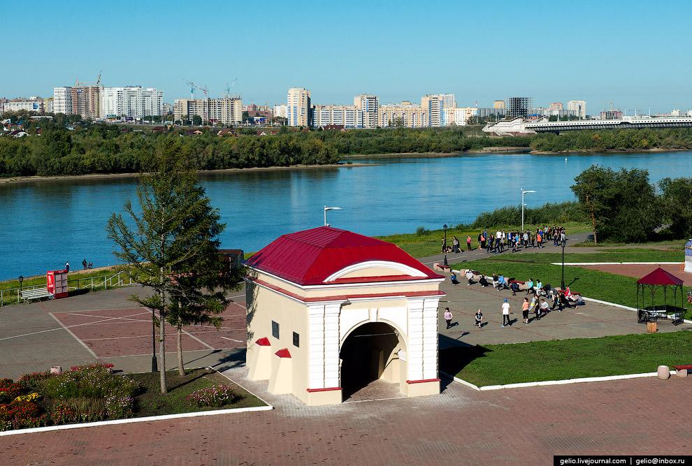 Тобольские ворота бывшей Омской крепости