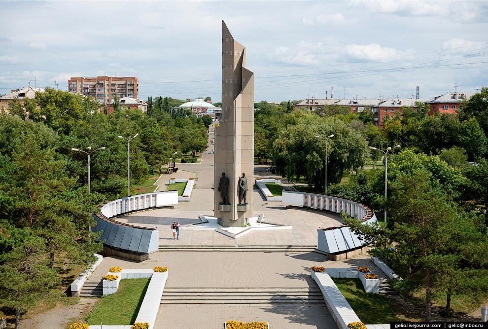 Мемориальный комплекс «Слава Героям» на бульваре Победы.