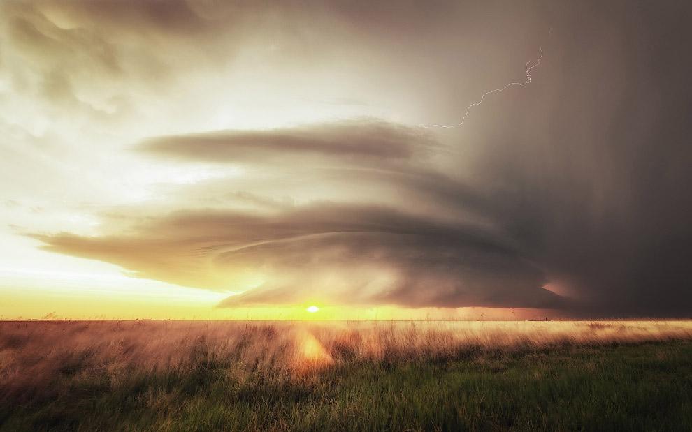 Облака и молнии в Канзасе