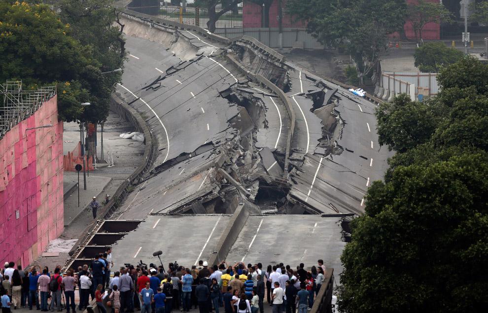 Взрыв путепровода в Рио-де-Жанейро