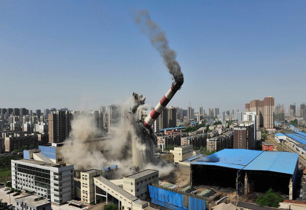 Взрыв трубы на территории завода в провинции Ляонин