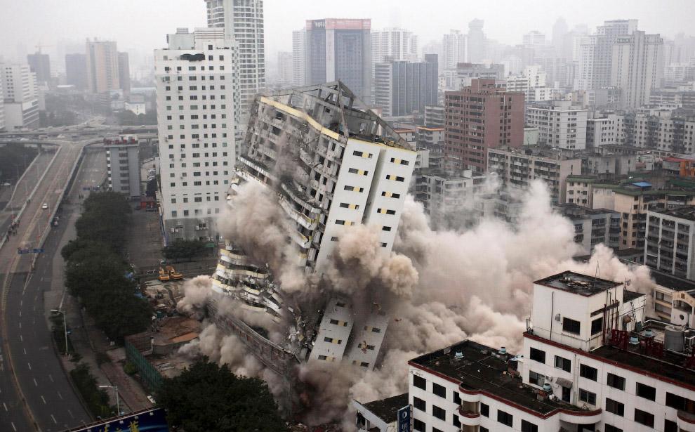 Взрыв штаб-квартиры авиакомпании Hainan Airlines