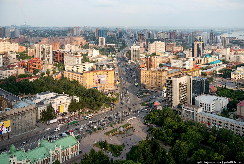 Фонтан в Первомайском сквере.