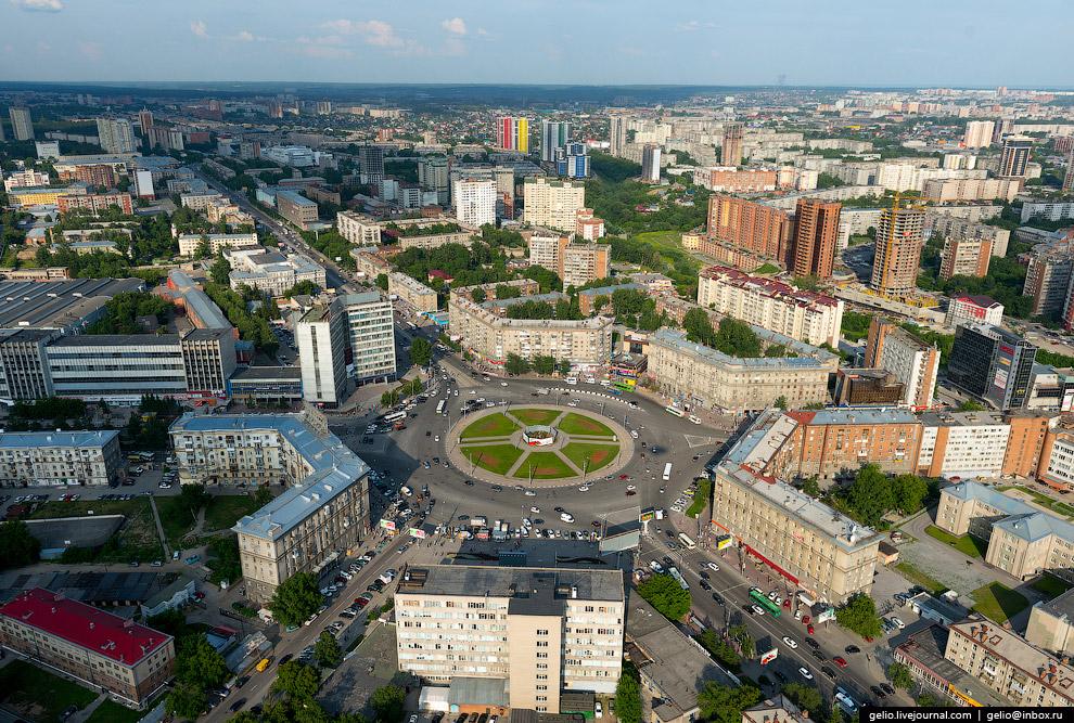 Площадь Калинина. Станция метро «Заельцовская».