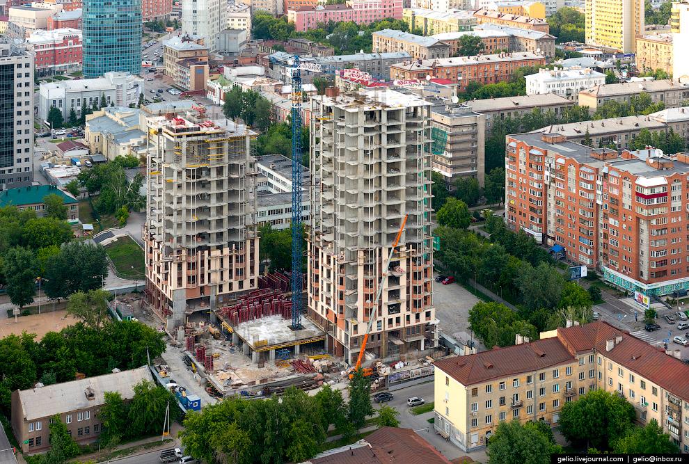 Строительство жилого комплекса «Montblanc».