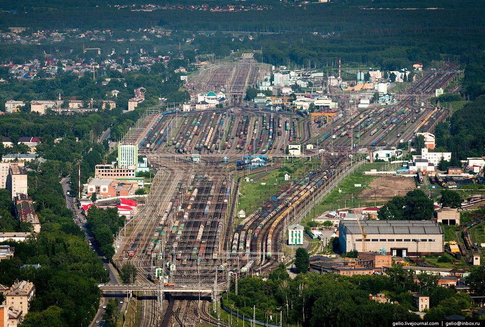 Станция Инская — одна из самых крупных сортировочных станций в России.