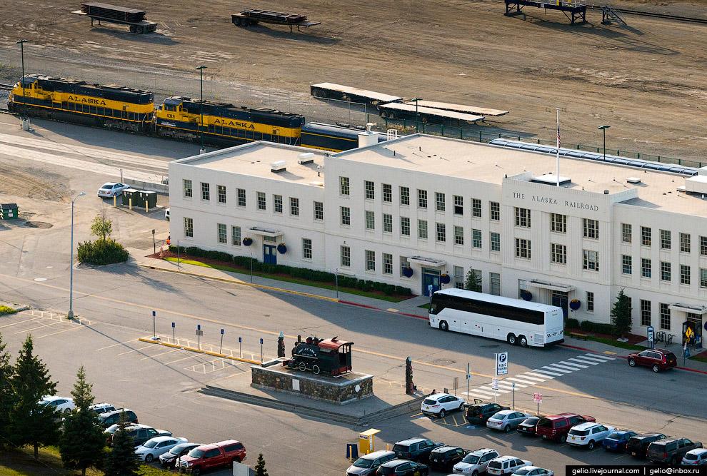 Вокзал Анкориджа (Anchorage Depot) — центр Аляскинской железной дороги.