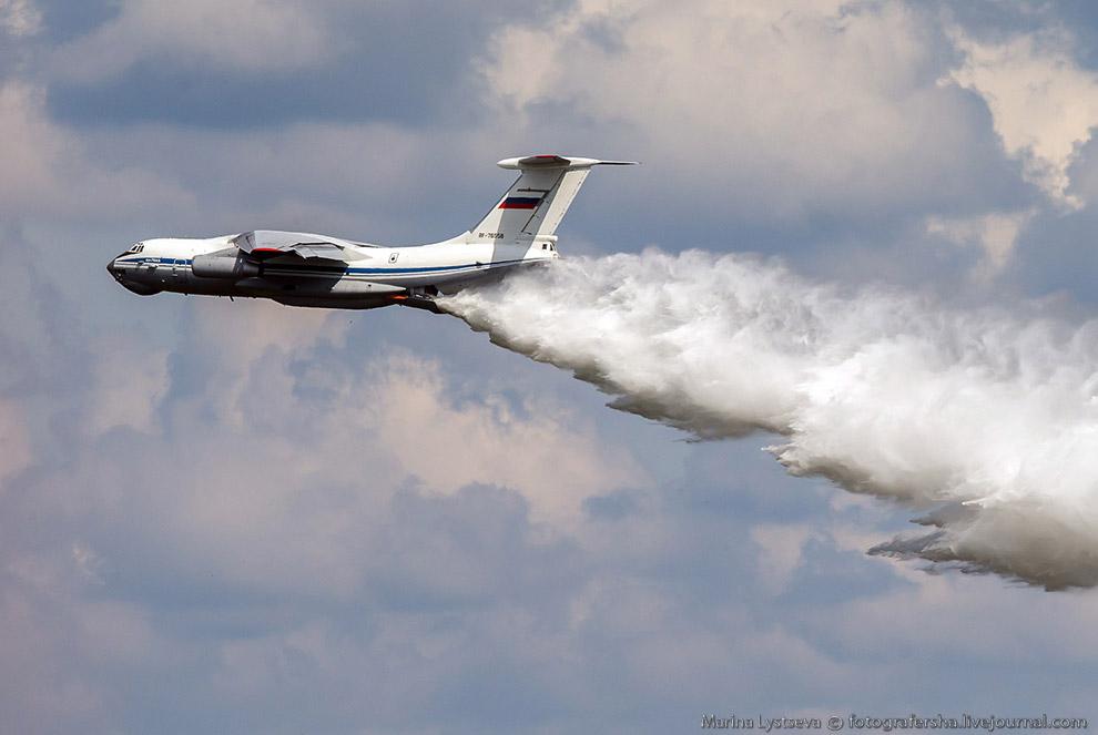 Тушение пожара самолетом выполняется самолетом Ил-76.