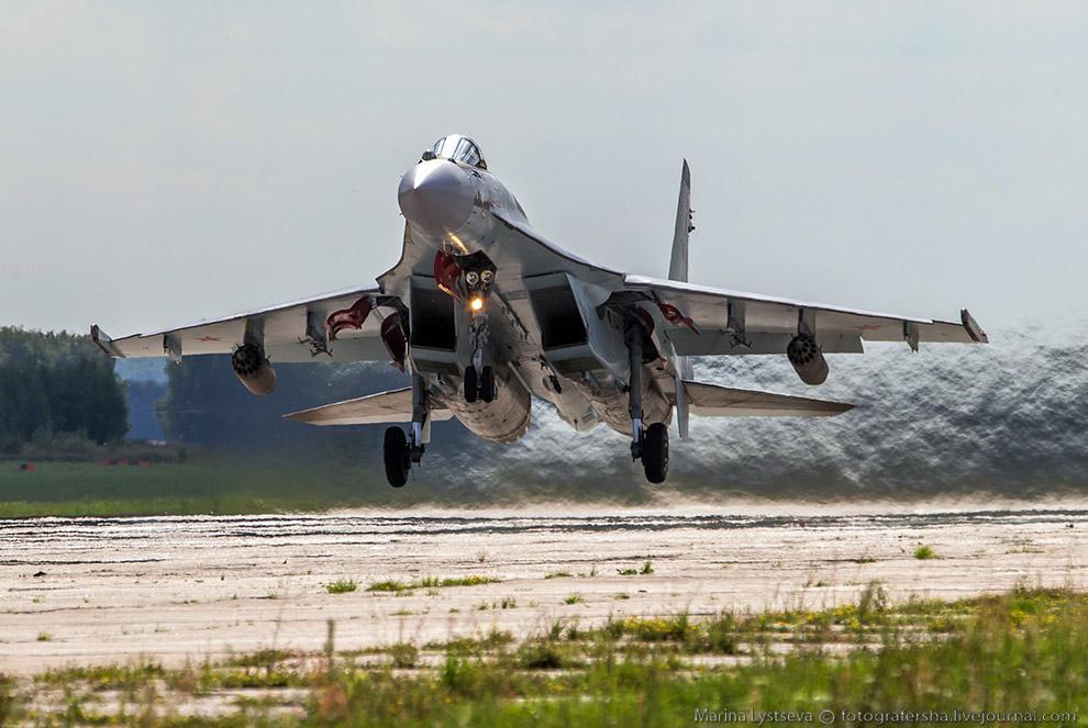 Российский истребитель поколения 4++  Су-35