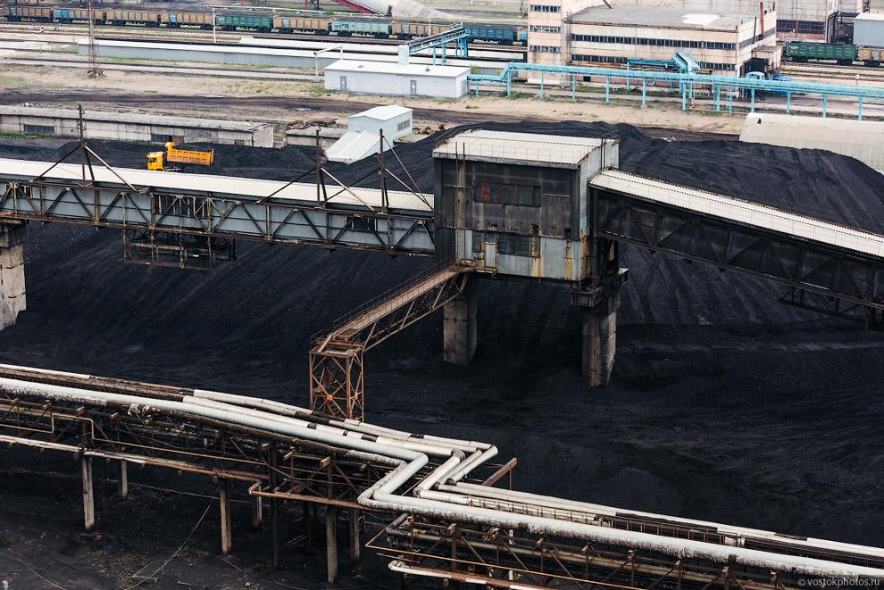 И угольный склад.