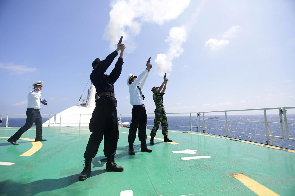 Солдаты народно-освободительной армии Китая на учениях в Южно-Китайском море