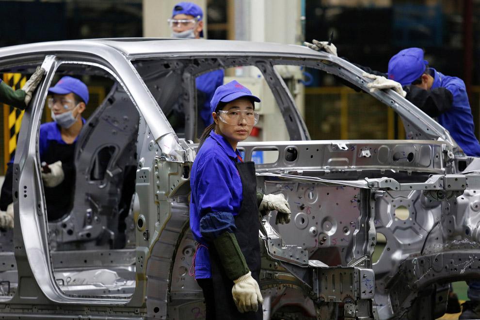 С 2009 года КНР является крупнейшим авторынком в мире и крупнейшим автопроизводителем в мире