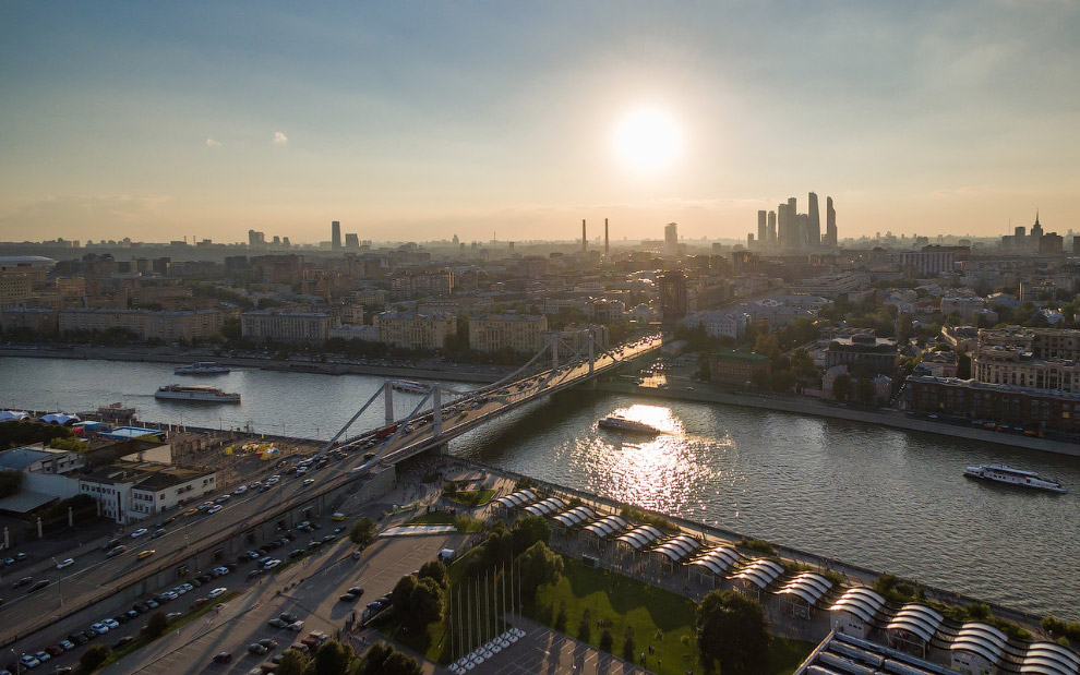крымский мост, парк Горького и Музеон.