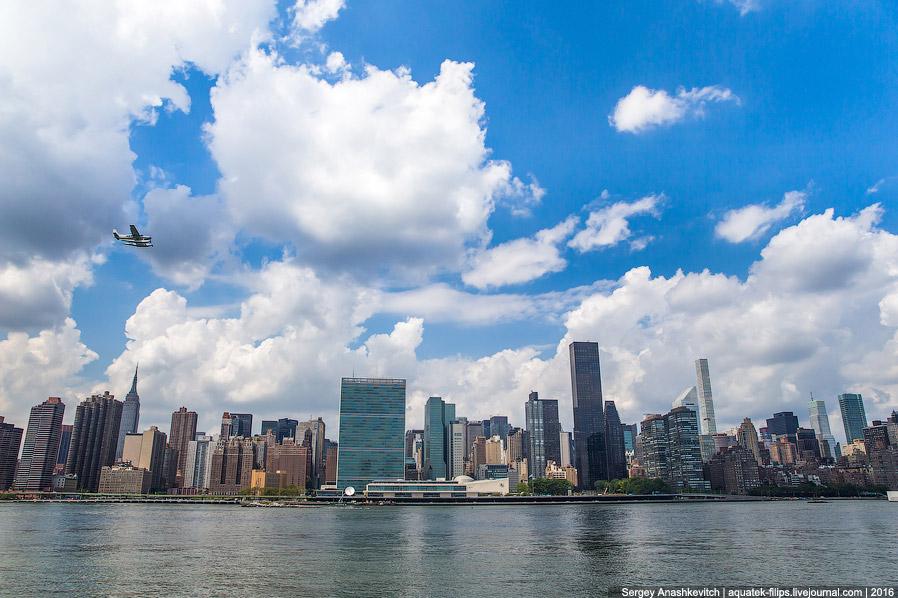 Здание ООН и небоскребы основной части Манхеттена с парка Гантри