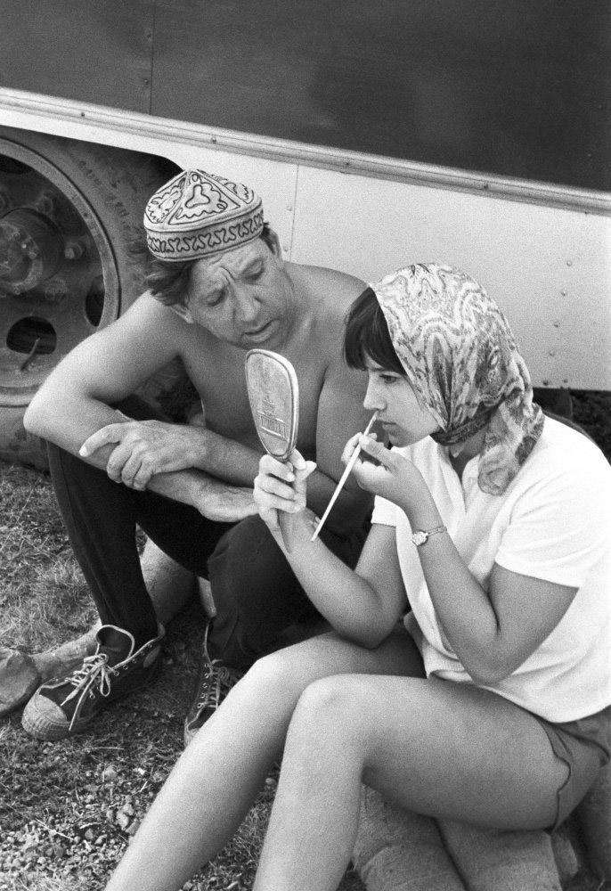 Юрий Никулин и Наталья Варлей на горе Ай-Петри перед началом съемки. Фото Виталия Созинова