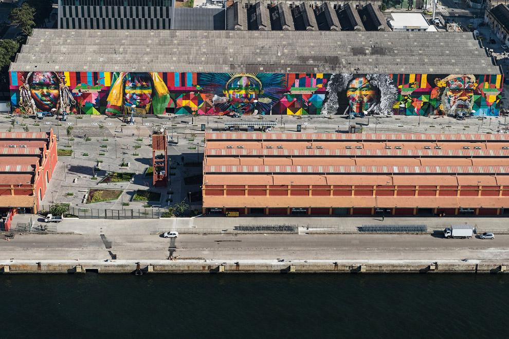 Граффити на Олимпийском бульваре
