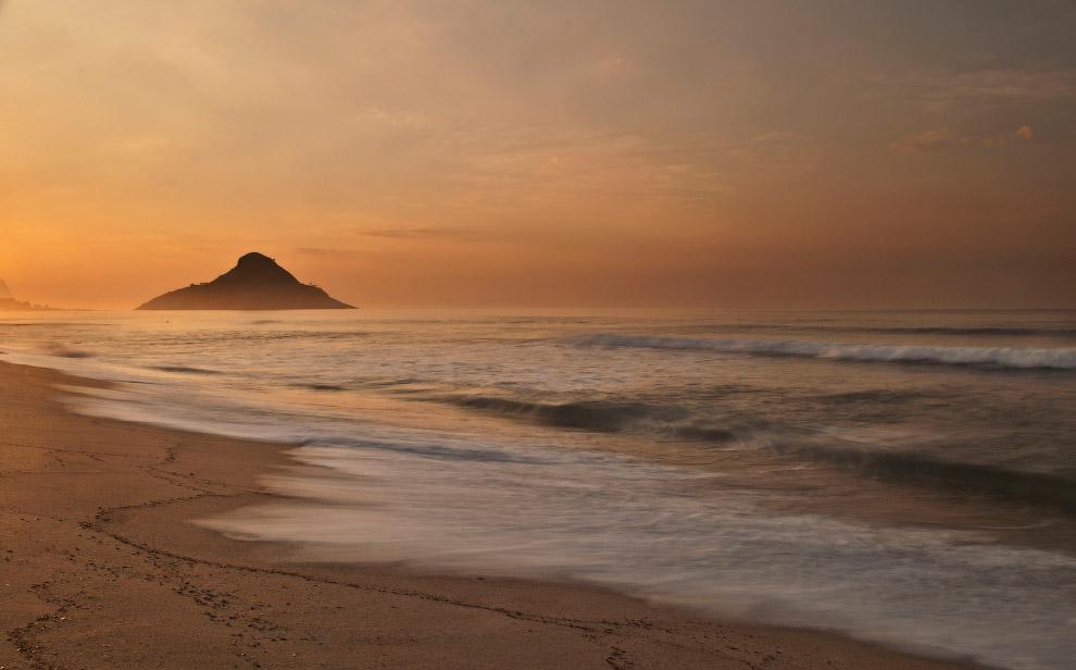 Закат на пляже Макумба