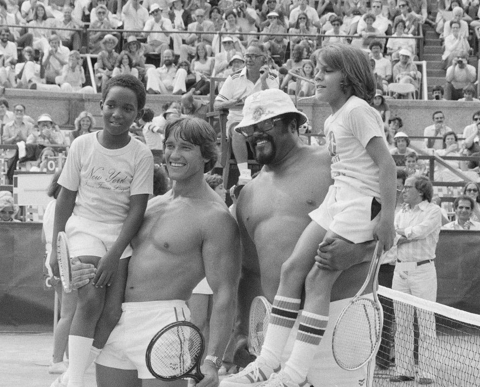 Теннисный турнир знаменитостей в Нью-Йорке