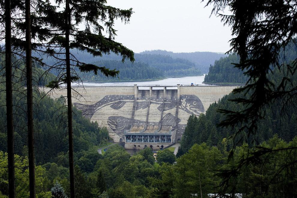 Вид на плотину Айбеншток в Германии