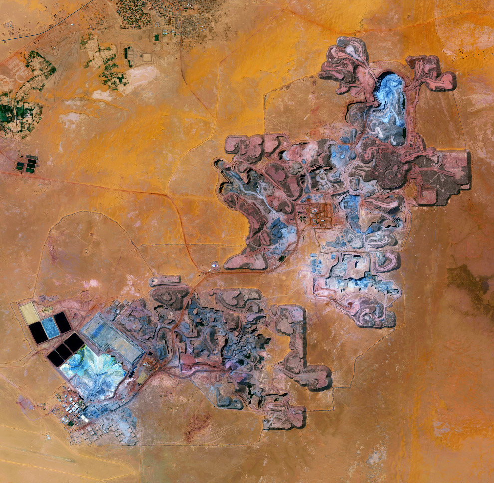 Урановый рудник в городе Арлит, Нигер