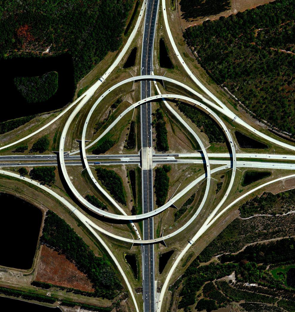 Сложная развязка в Джексонвилле, штат Флорида, США.