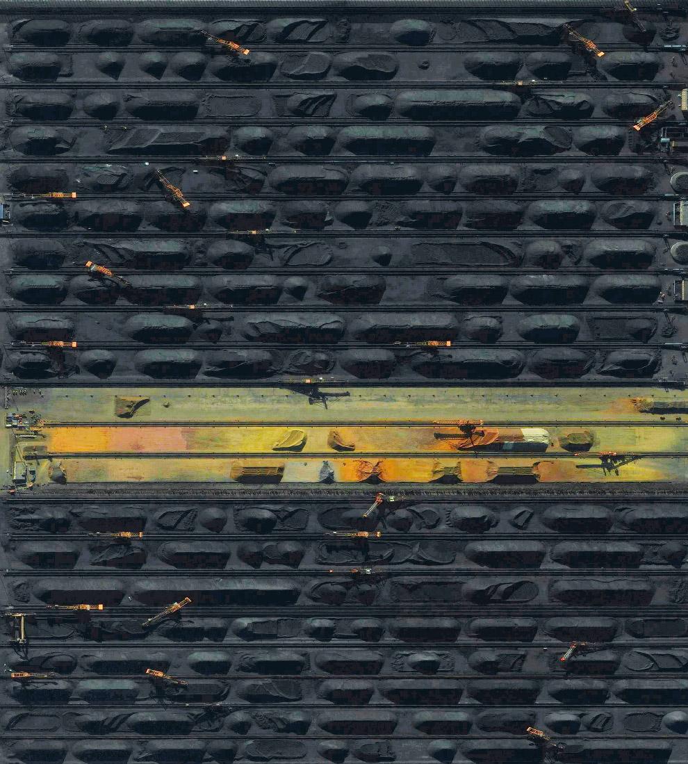 Угольный терминал в порту Циньхуандао в Китае