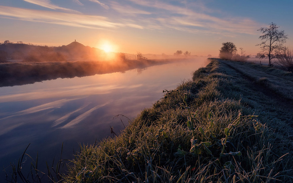 Утро на реке в Гластонбери, Англия