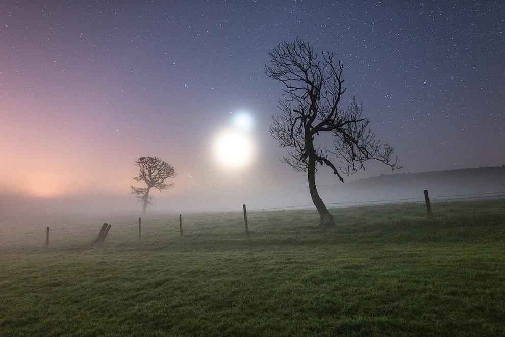 Луна, Венера, Марс и Юпитер находятся на небе рядом