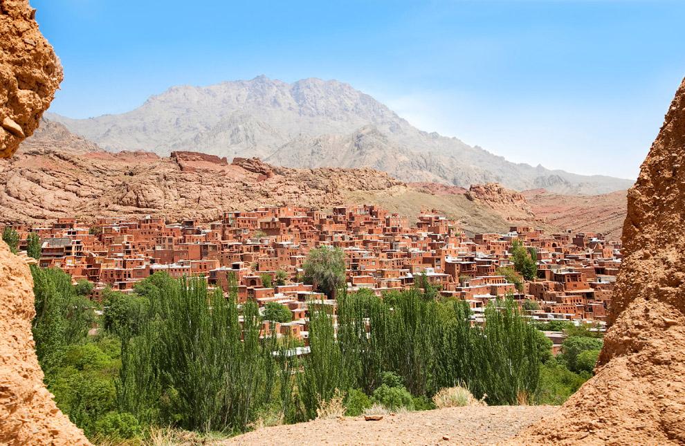 Абиянех является одним из старейших сел в Иране
