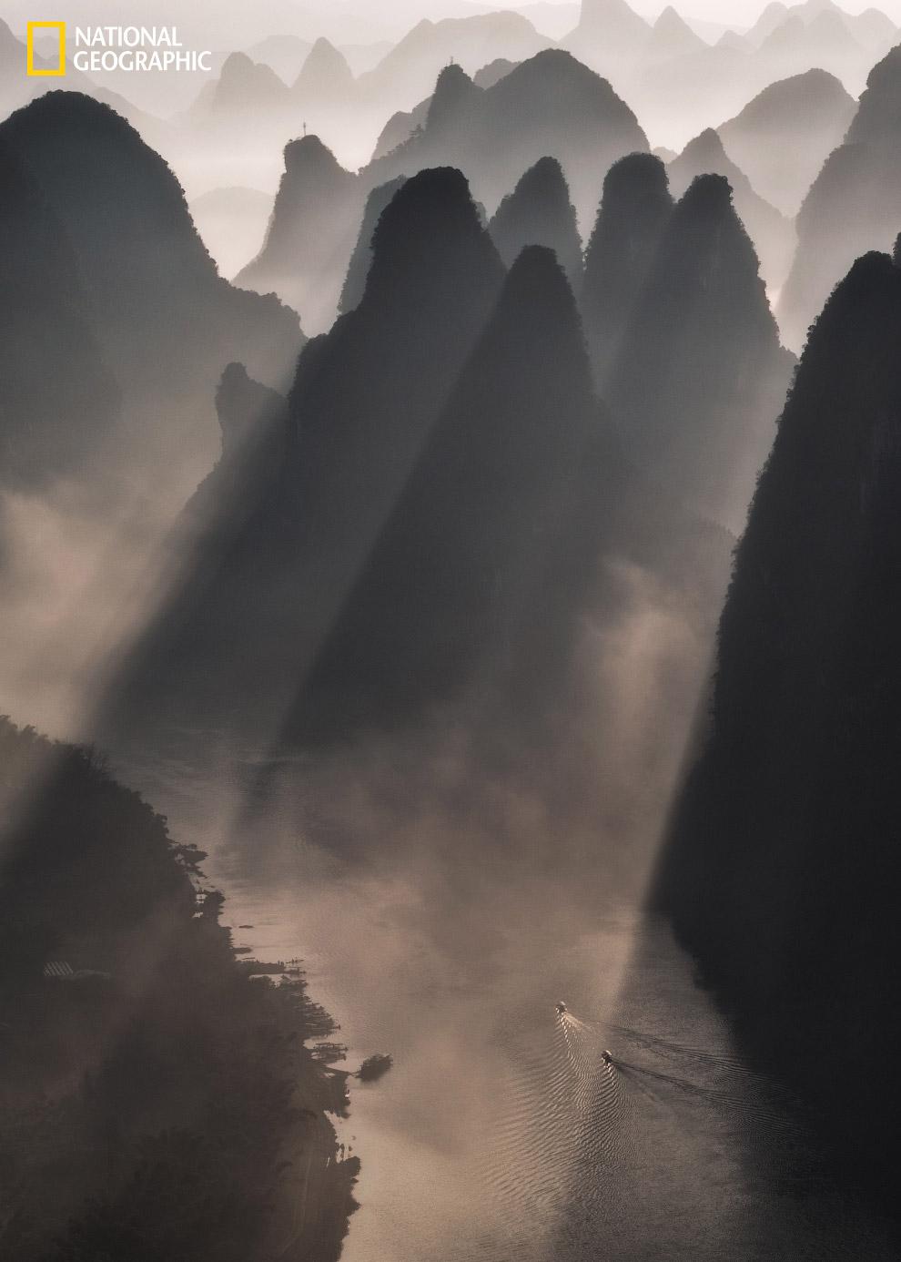 Рассвет в китайских горах