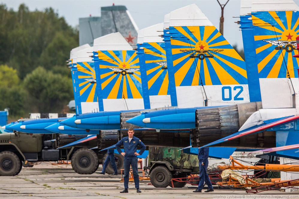Линейка Су-27.
