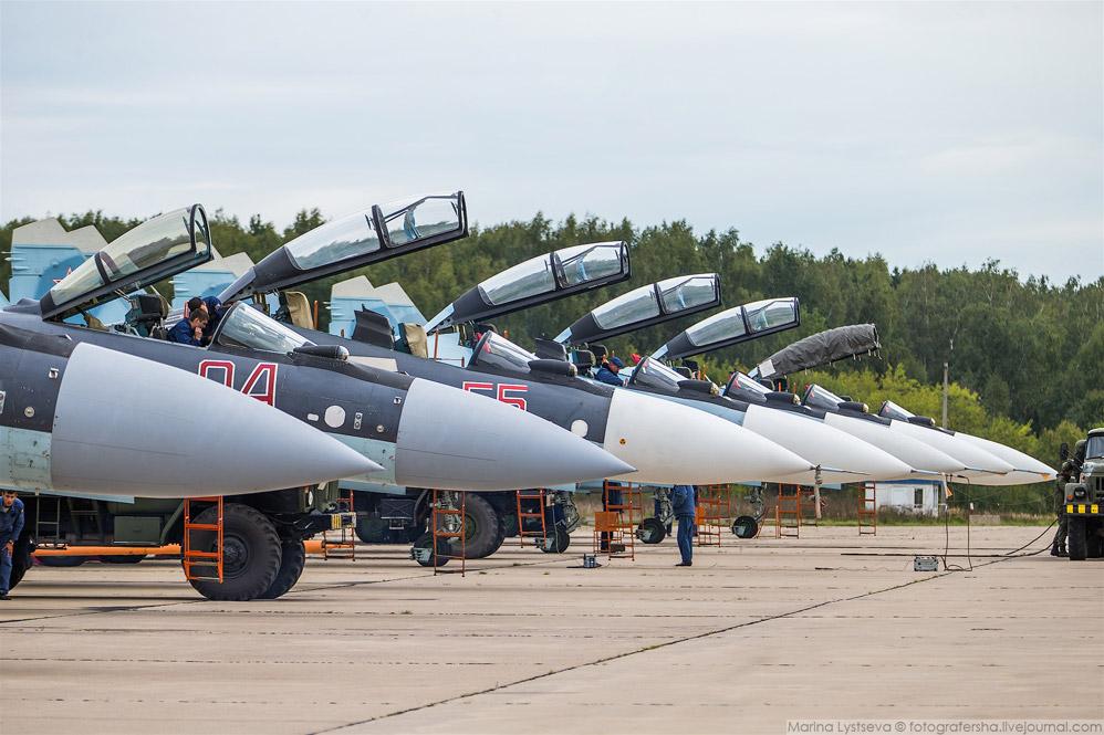 Два Су-35С и 4 Су-30СМ из Липецка.