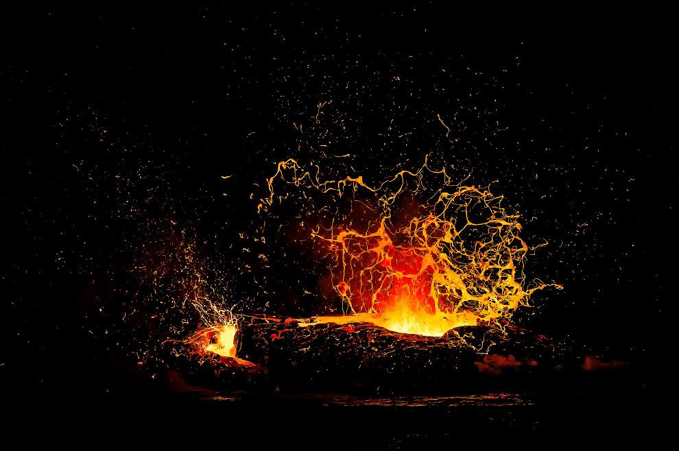 Поток лавы из Килауэа на Гавайях