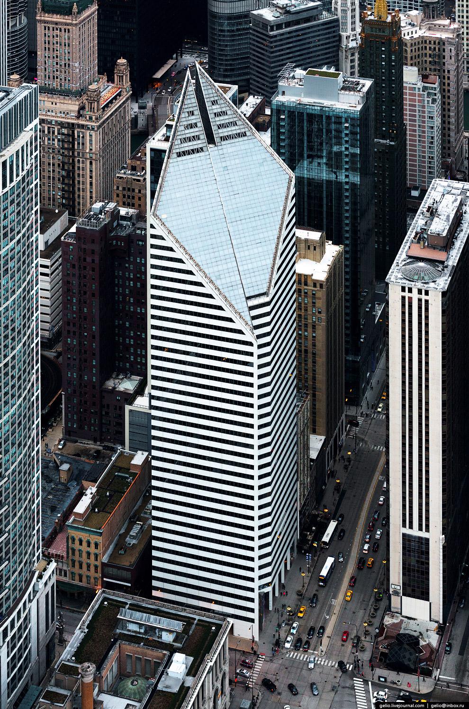 Смарфит-Стоун-билдинг (Smurfit-Stone Building).