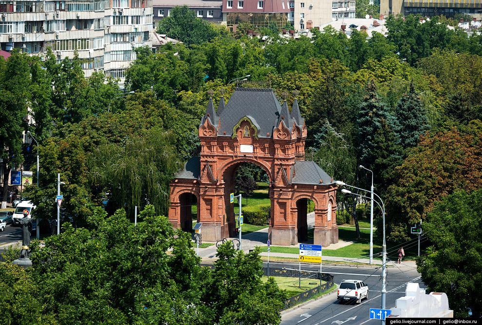 Александровская триумфальная арка (Царские ворота)