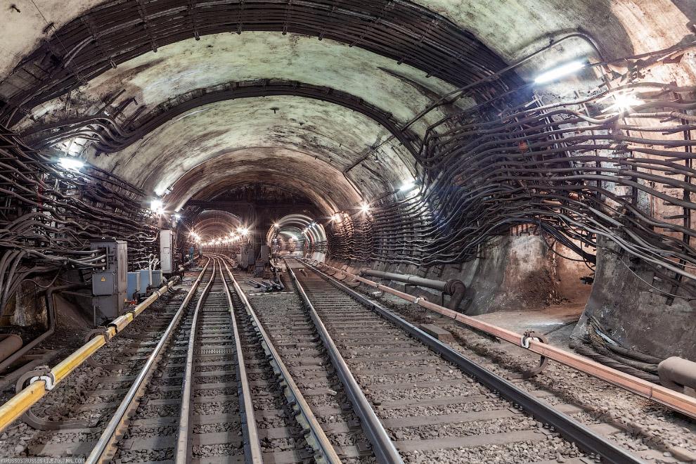 Подземные тоннели метро в Москве