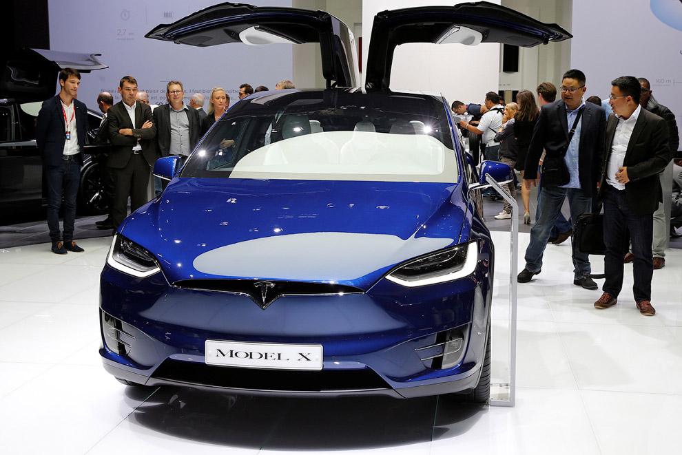 Кроссовер Тесла Model X