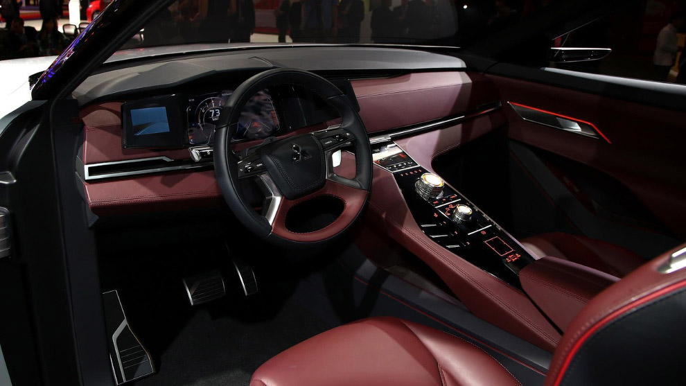 Гибридный кроссовер Mitsubishi GT-PHEV